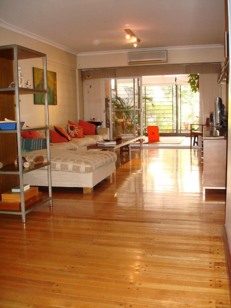 Impecable departamento 4 amb. con patio, quincho, terraza, lavadero y cochera 2 autos