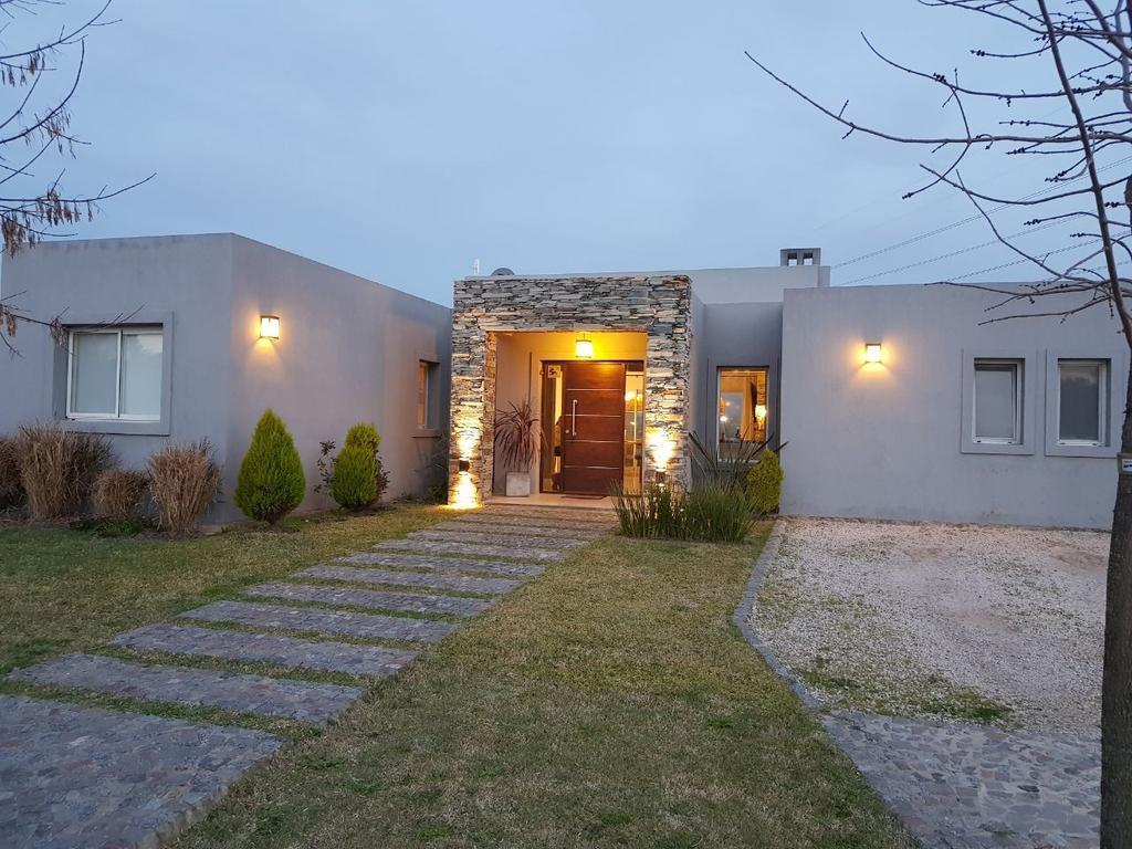 Casa 150m2, 2 dormitorios en Santa Isabel, Maschwitz