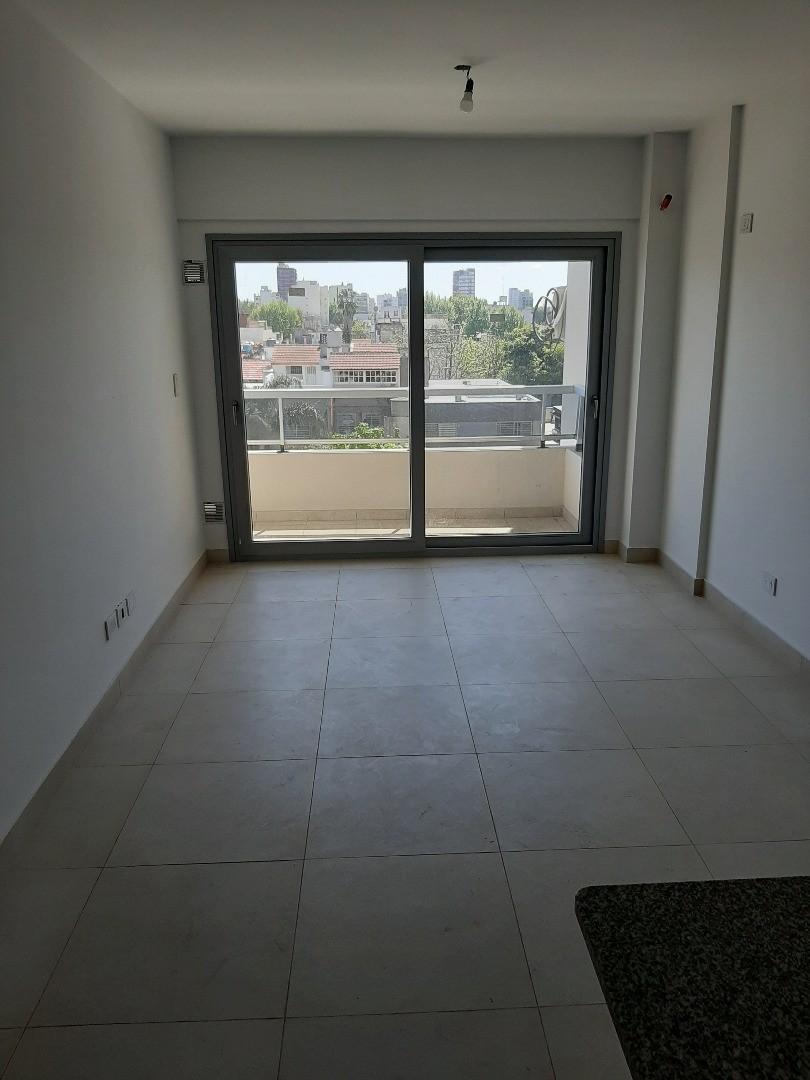 Departamento en Alquiler - 3 ambientes - $ 22.000
