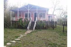 Casa 3 ambientes en Canal del Este.