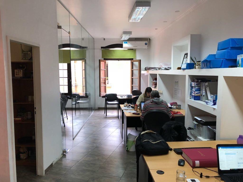 PLAZA CANNING - HERMOSO LOCAL/OFICINA  CON KITCHEN Y PRIVADO