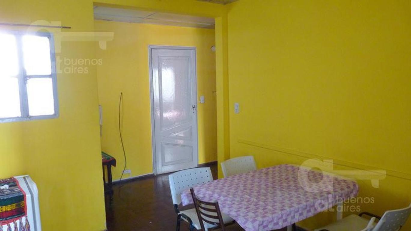 Barrio Norte. Departamento 2 ambientes con terraza. Alquiler temporario sin garantías.