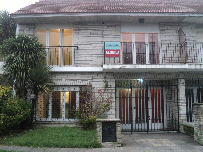 Casa en Alquiler en Barrio Colinas de Peralta Ramos - 4 ambientes