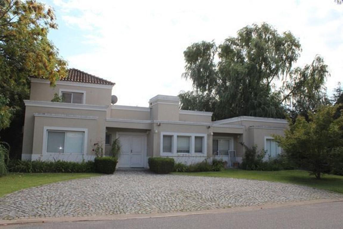 Venta con Renta: Casa en Barrio cerrado Rincón del Arca, Punta Chica, San Fernando
