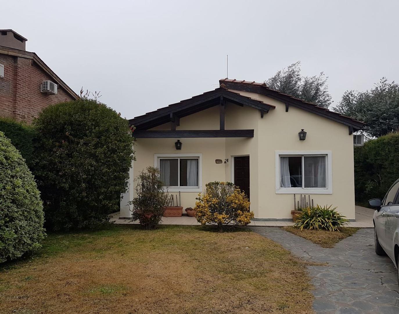 Casa   Venta  C.C. Banco Provincia, Zona Oeste - OES1089_LP174190_1
