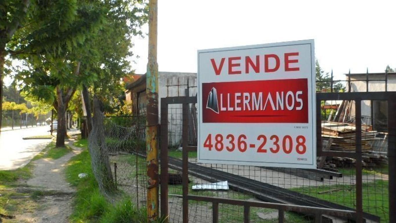 Vende Lote Sobre Avenida Constante Crecimiento  Proximo A Camino de los Remeros