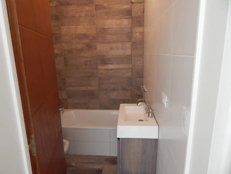Casa - 78 m²   3 dormitorios   2 baños
