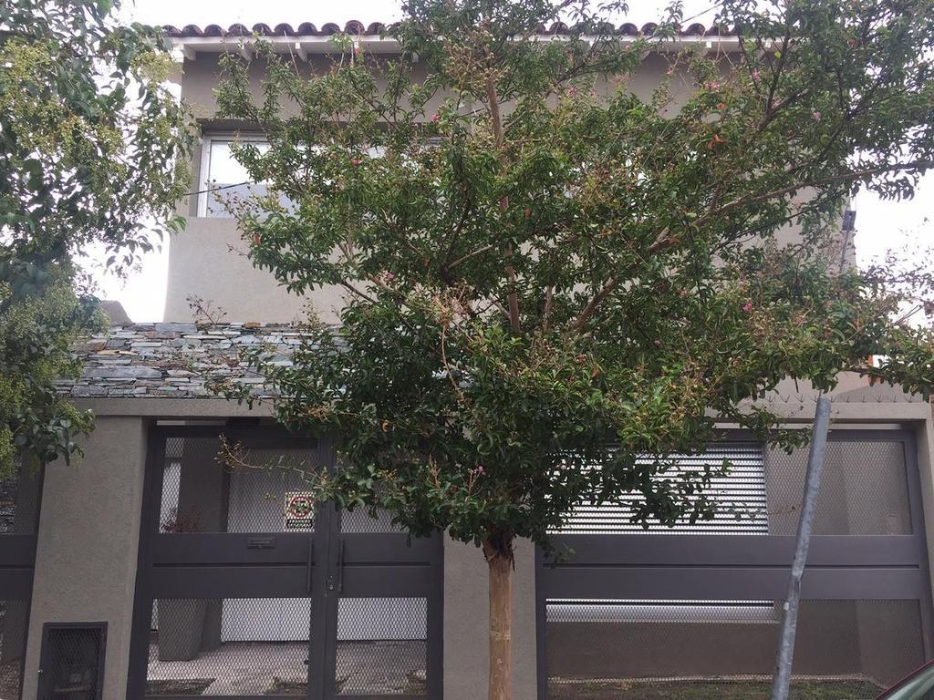 Casa  Olivos Venta 4 ambientes Chalet
