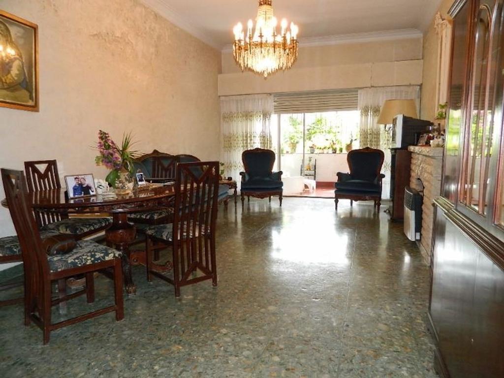 Departamento tipo casa en venta en bahia blanca 2400 for Jardin 903 bahia blanca