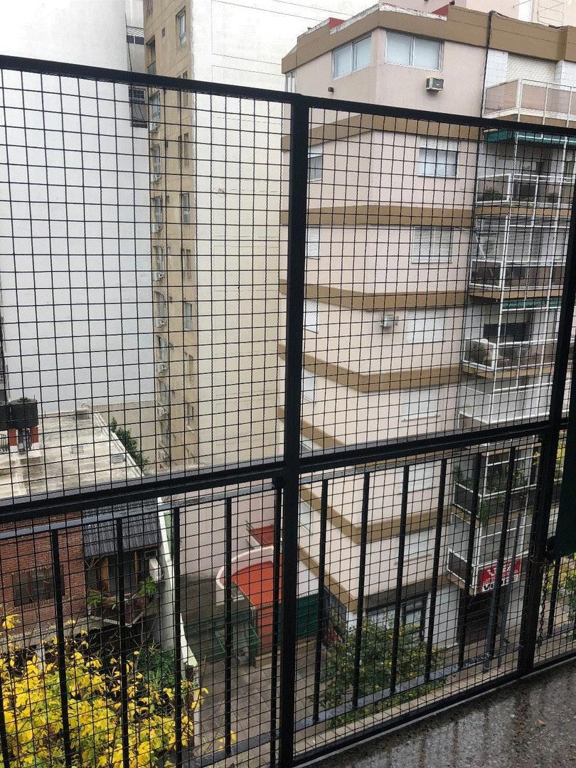 Unico 3 amb c/lavadero y balcón corrido. Estado impecable. Super luminoso. DE GENARO PROP 4633-8309