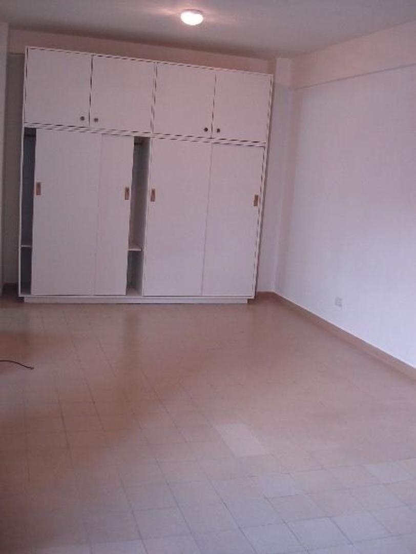 Departamento en Alquiler en Olivos Vias/Maipu - Monoambiente