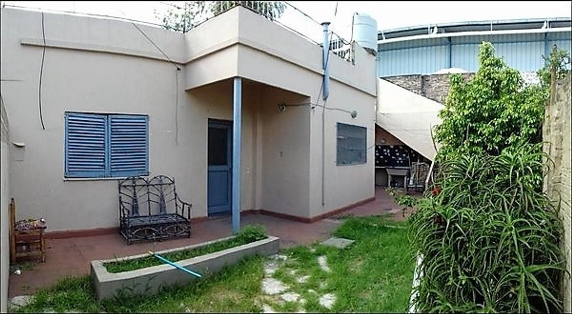 PH 3 ambientes con patio y terraza