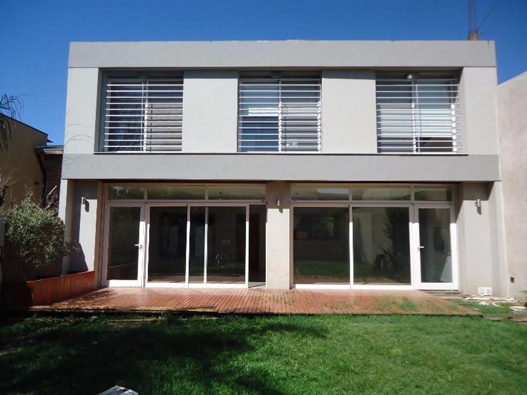 Excelente casa céntrica en venta