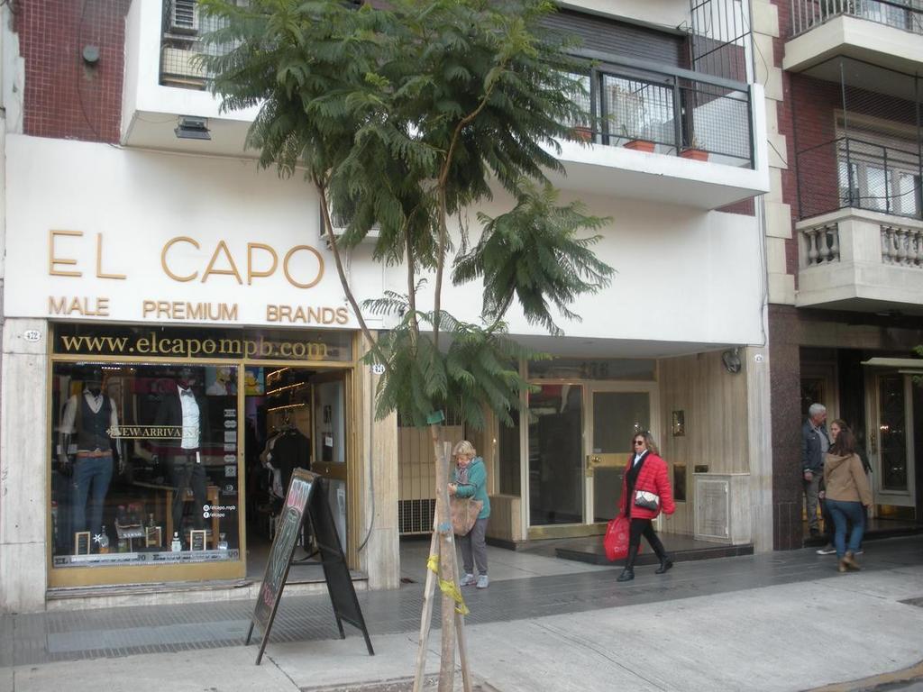 Local Av. Cabildo y Maure! Inversión con Renta!!!