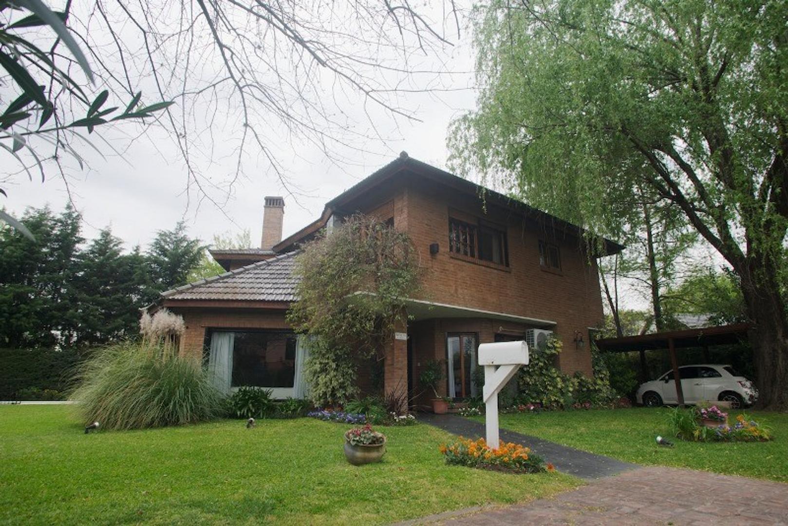 XINTEL(BRI-BR7-138529) Casa - Venta - Argentina, Pilar - Bº MAPUCHE  AL 100