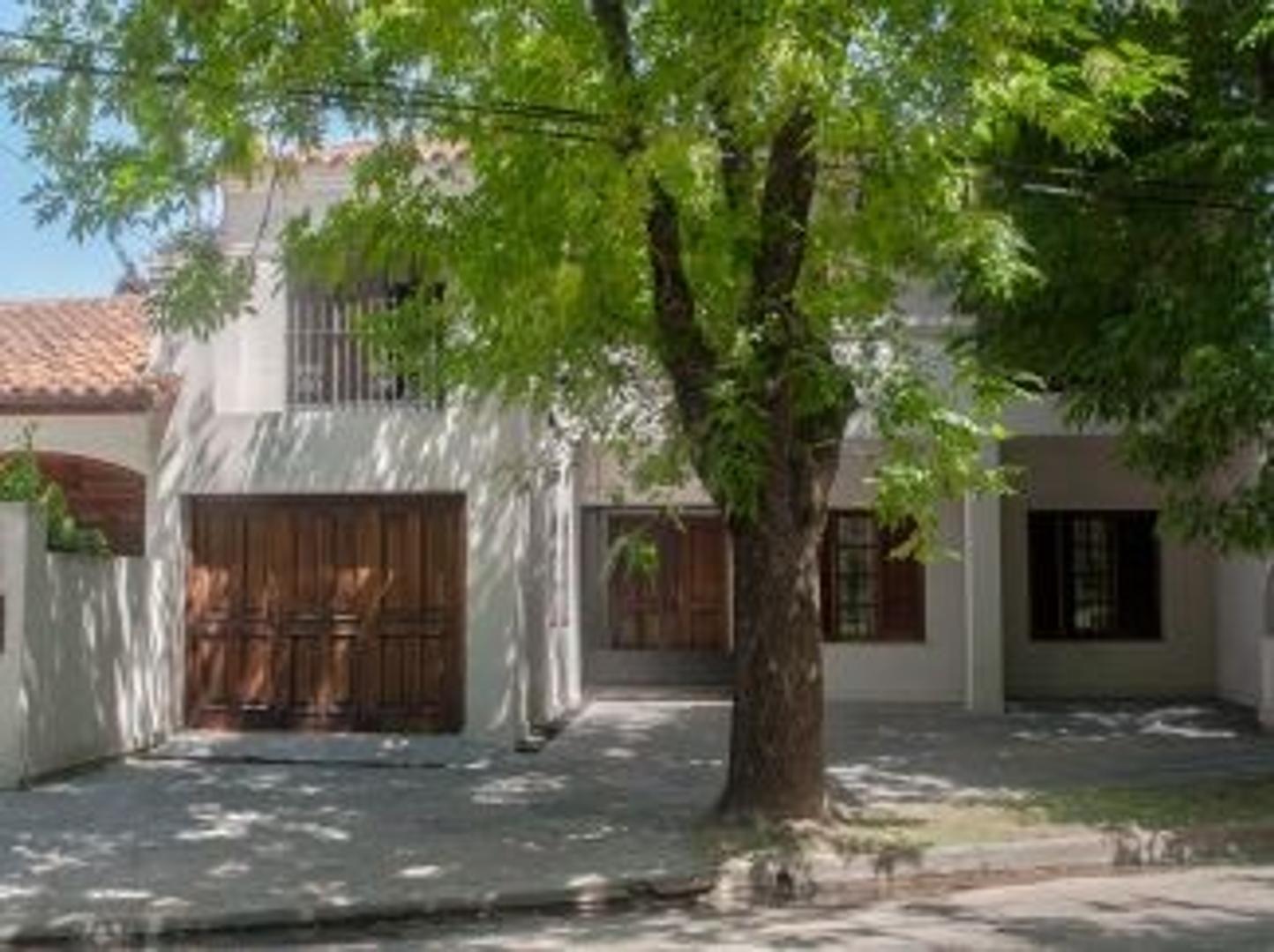Casa Barrio Dálmine Viejo