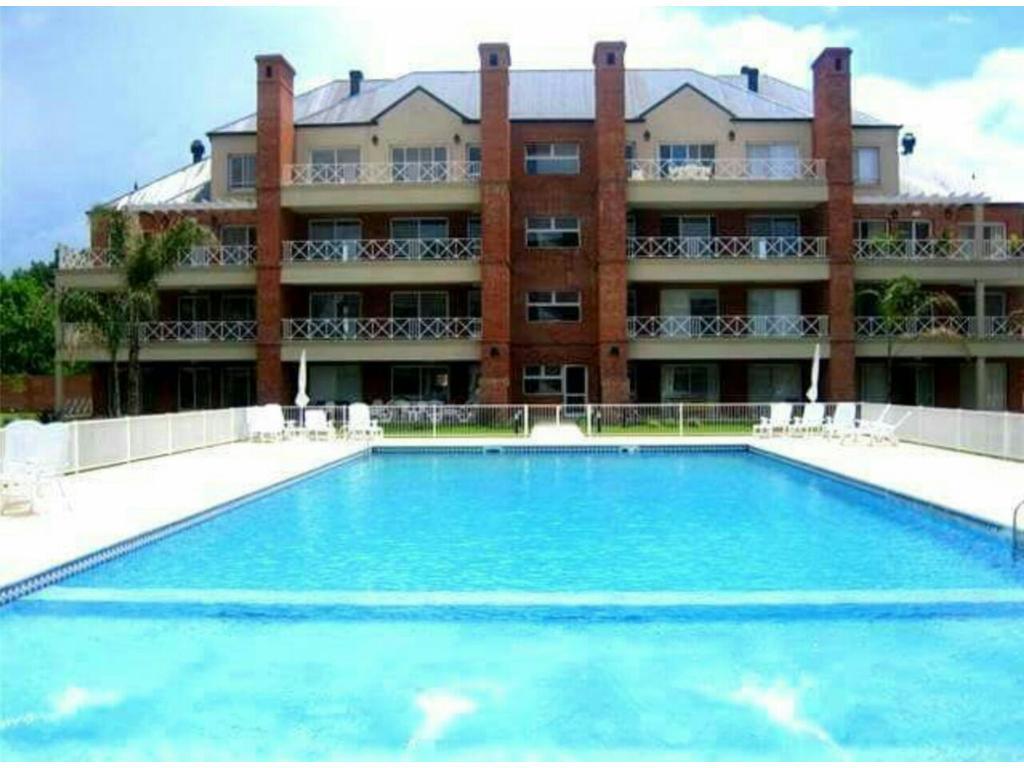 Excelente departamento de 3 dormitorios con terraza, cocheras,pileta,SUM. Tortugas1