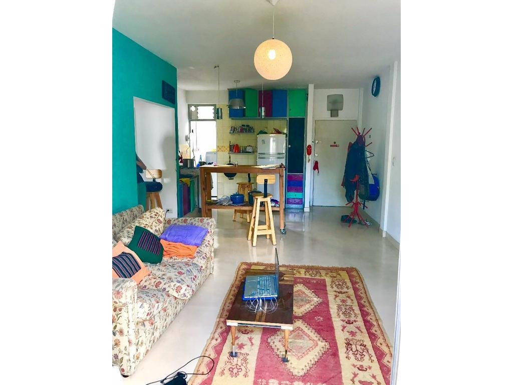3 AMBIENTES 58 m2 3er. PISO X ESCALERA - BALCON CORRIDO AL FRENTE - RECICLADO - LAVADERO