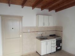 Departamento tipo casa, PH Reciclado a estrenar dos ambientes y medio, muy luminoso.