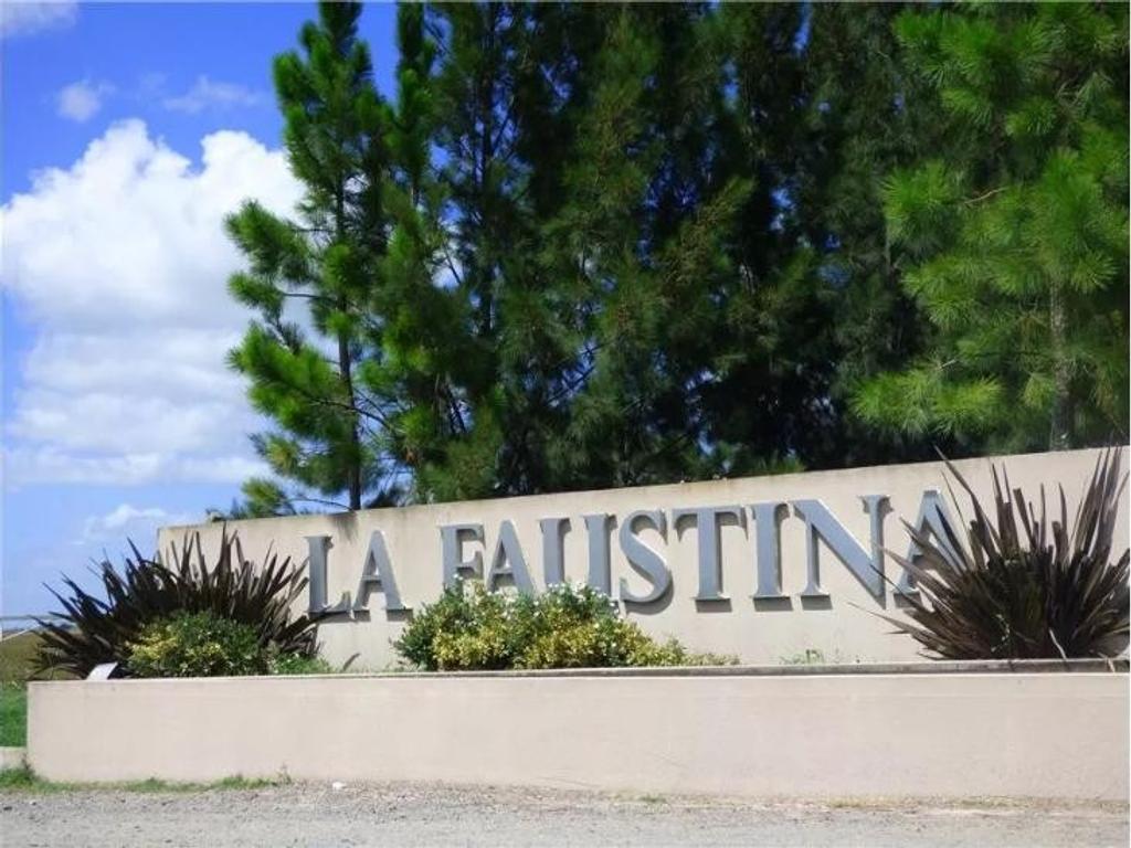 Excelente terreno en  La Faustina - Club de Campo