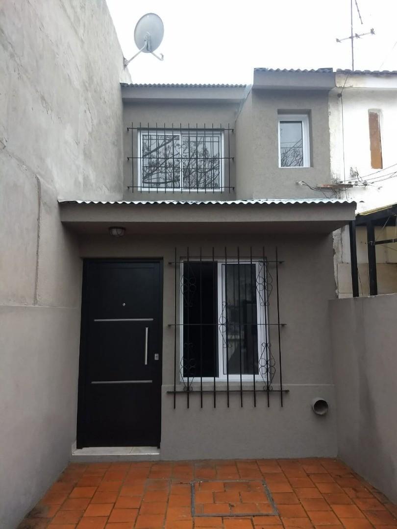 Casa en Venta en Castelar Norte - 2 ambientes