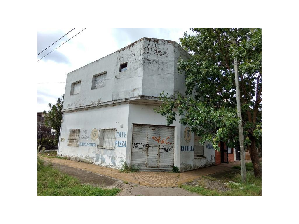Casa 4 ambientes con Garage y Local