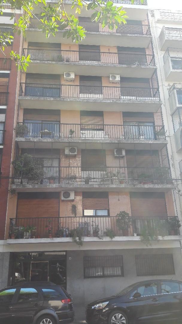 Semi Piso 4 amb + dep al fte con balcon