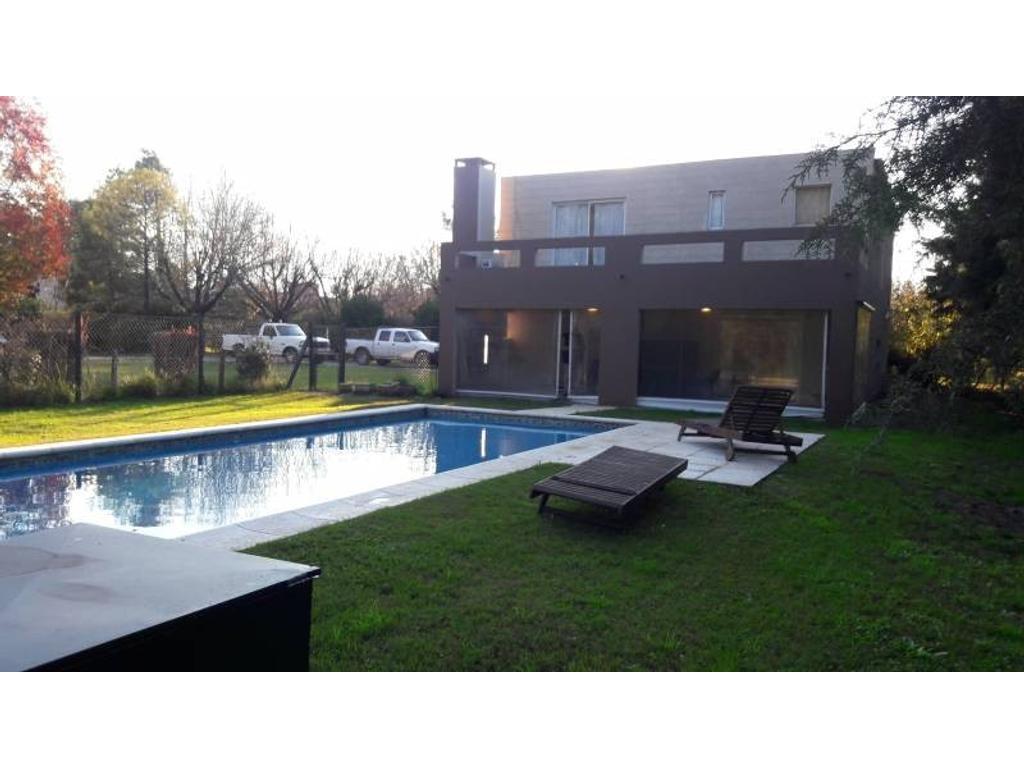 Venta con Renta de Casa en Pilar del Lago zona Pilar, Gran Bs.As., Argentina.