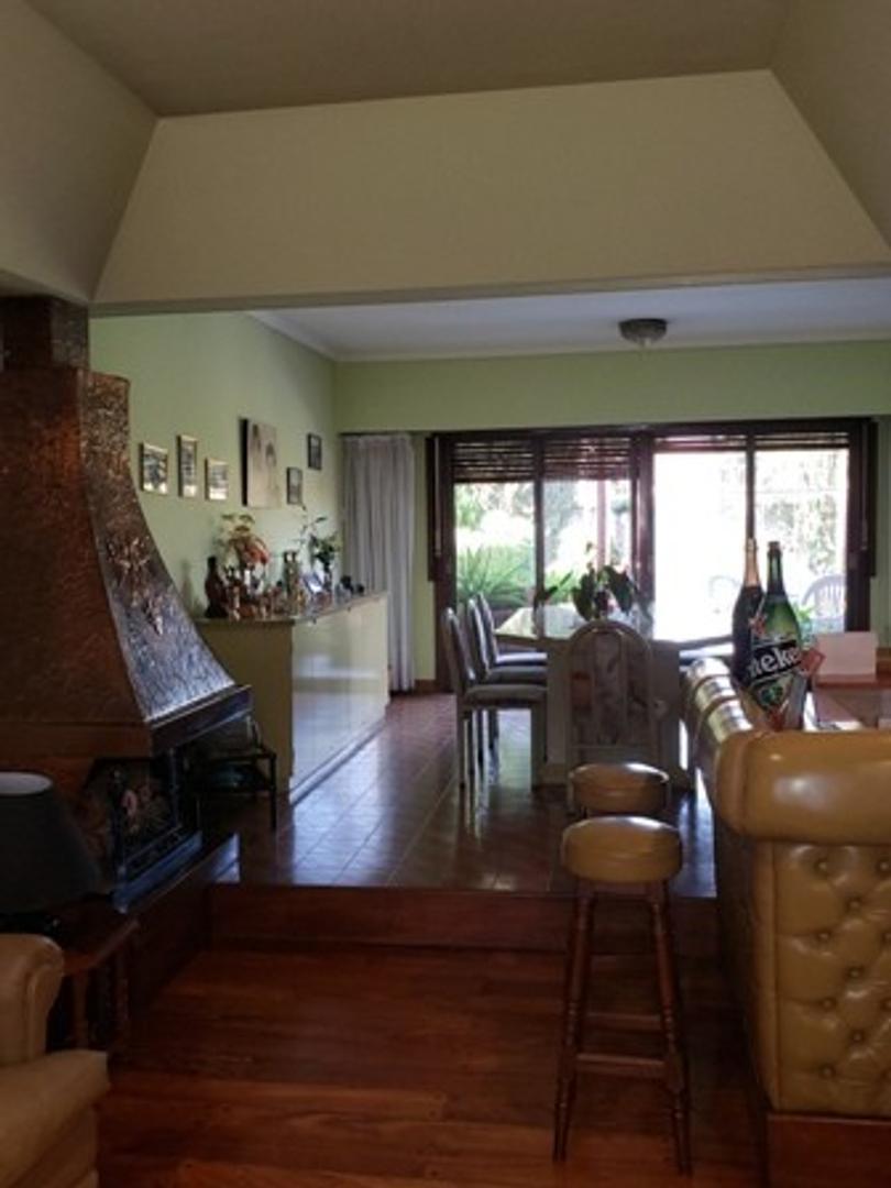 Casa en Venta - 5 ambientes - USD 390.000