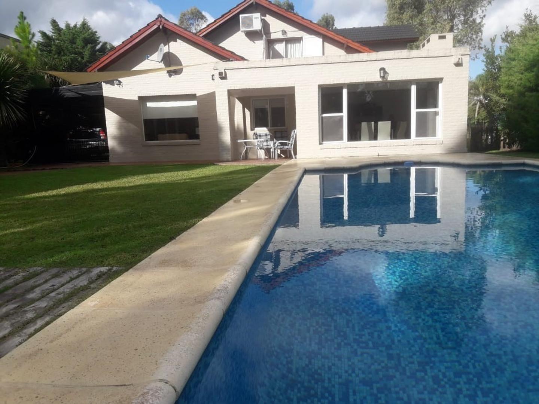 Casa en Venta en Echeverria Del Lago - 6 ambientes