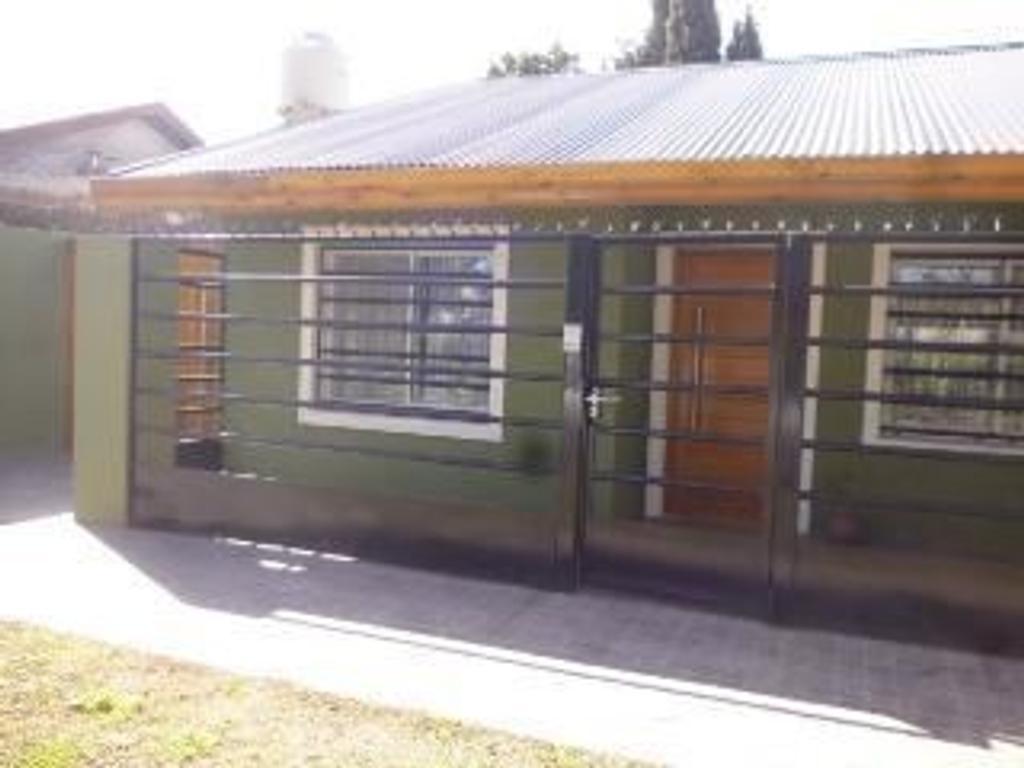 Casa En Venta En Calle 153 6212 Guillermo E Hudson Buscainmueble # Venta De Muebles Hudson