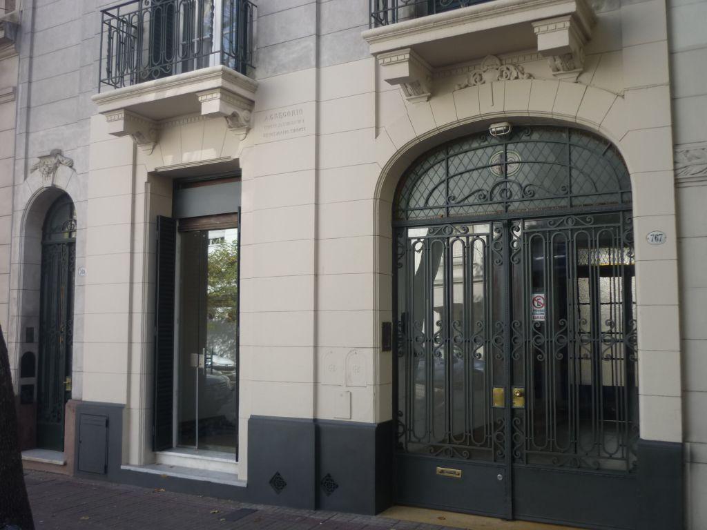 Casa en alquiler en La Plata Calle 54  e/ 10 y 11 Dacal Bienes Raices