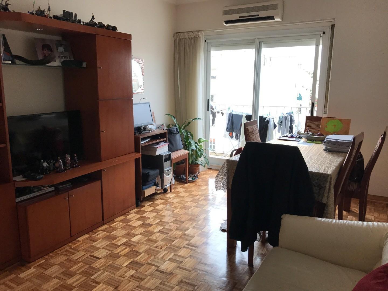 3 ambientes con balcón contrafrente en excelente estado