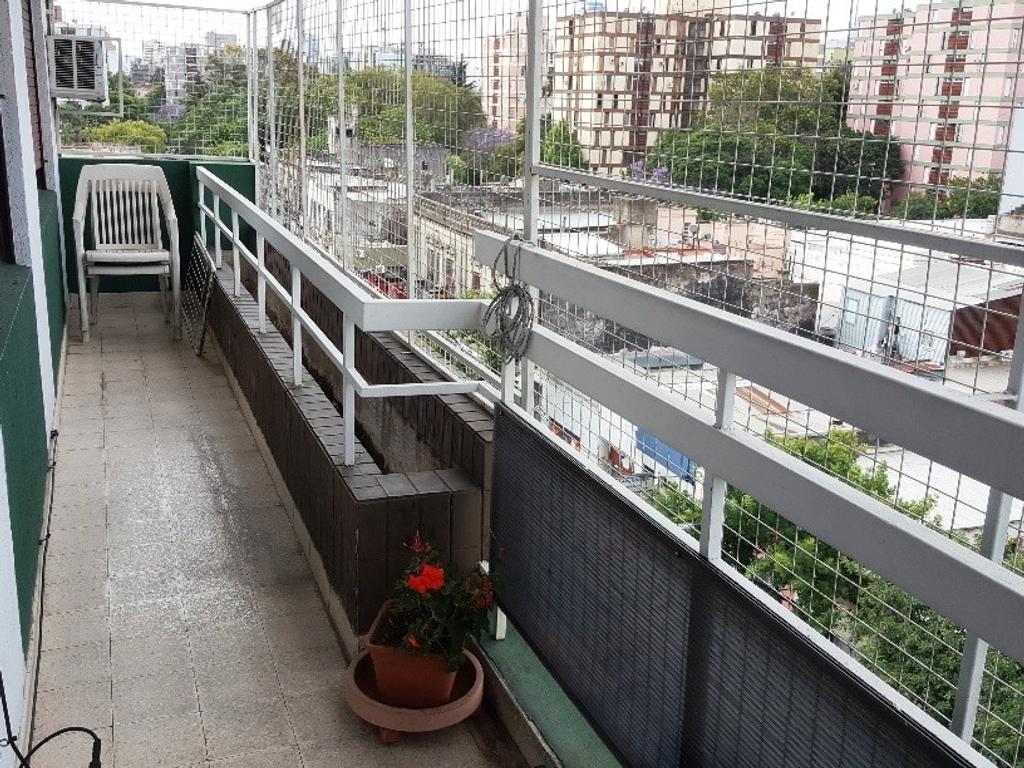 EN VENTA - LA BOCA - DEPARTAMENTOS - Unidad de 4 Ambientes