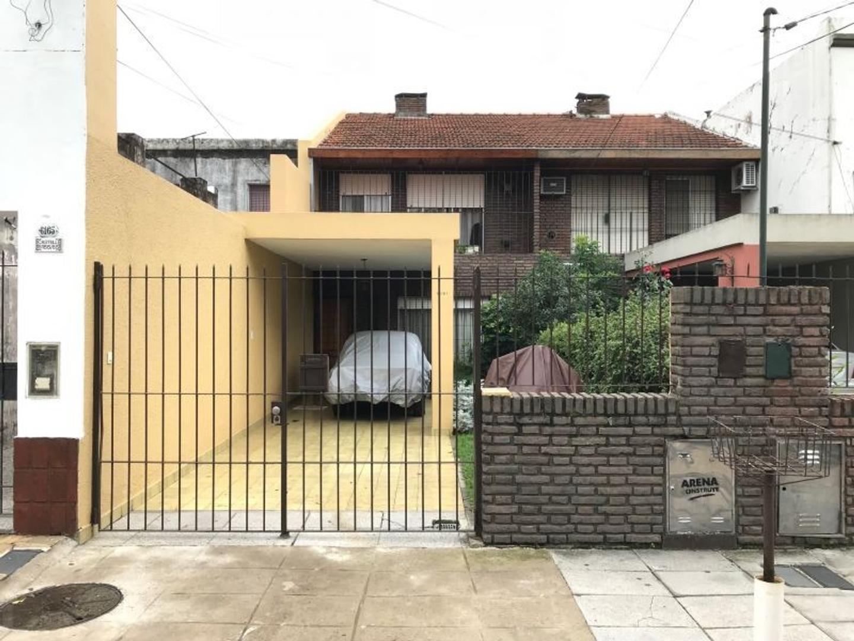 XINTEL(GZI-GZI-626) Casa - Venta - Argentina, Vicente López - CASTELLI 6161