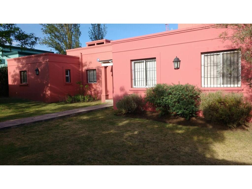 Excelente Casa en venta en la Almudena