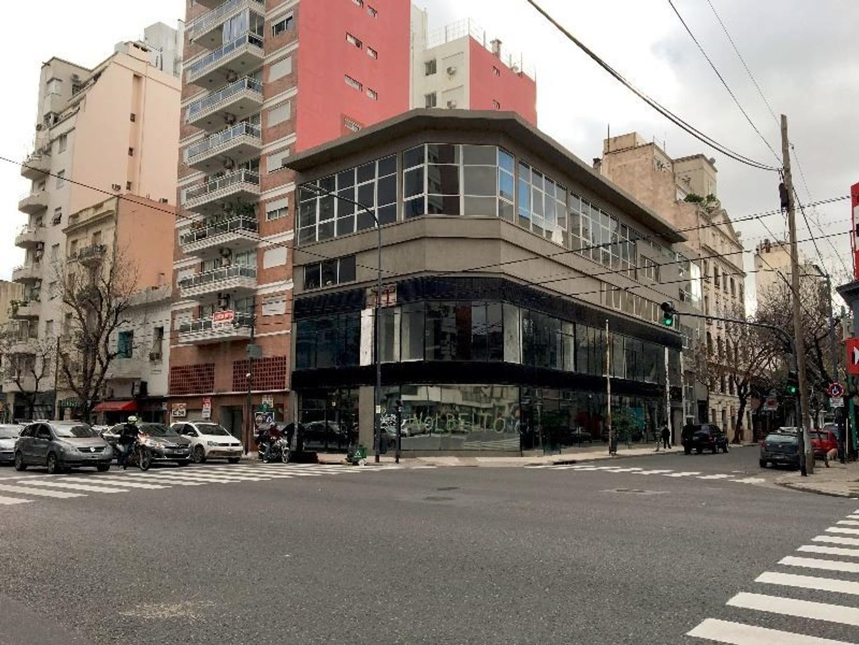 Av San Juan 2201, Capital Federal - Edificio en Block