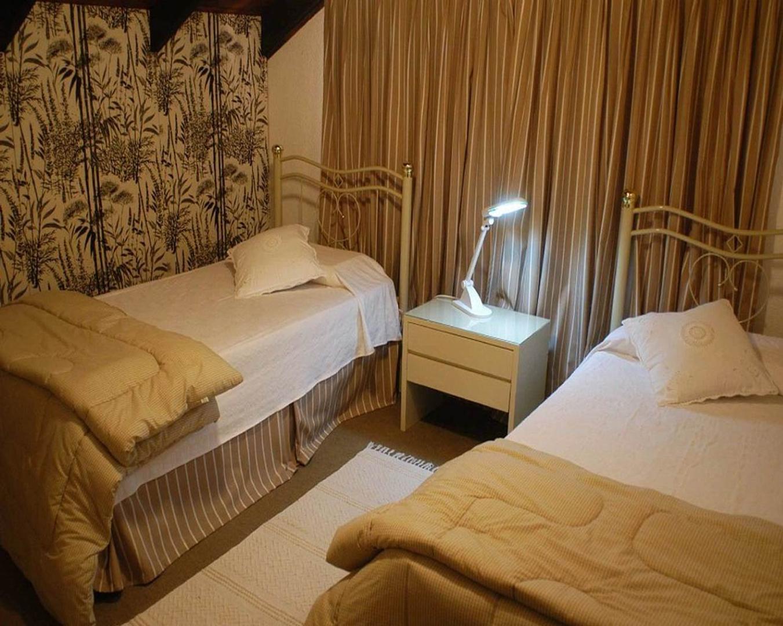 Casa en Pinares con 5 habitaciones