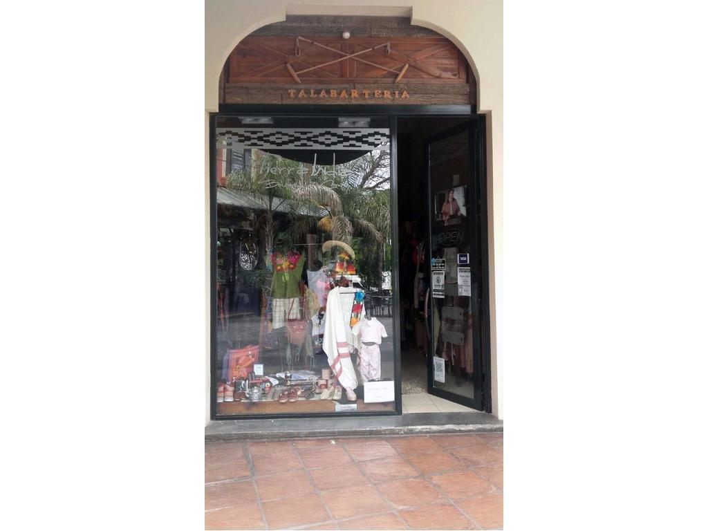 Cardales - Fondo de comercio en importante galería