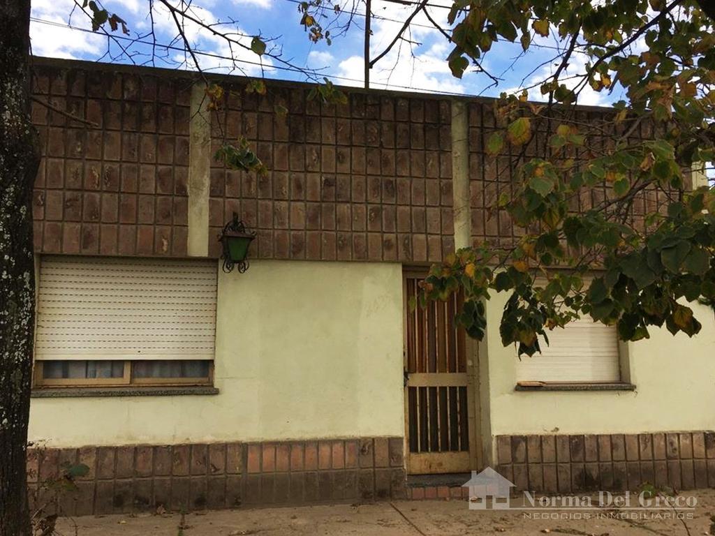 Oportunidad Casa a Reciclar o Demoler en Zona Urbana / Pueblo de Funes - Lote 300 m2