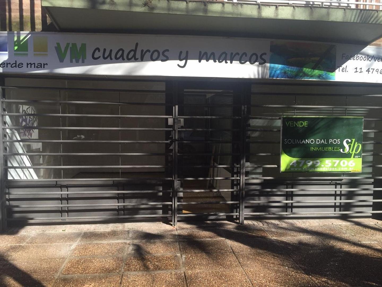 Oficina o Local comercial  a la calle de 50mts cercano a estacion Vicente Lopez