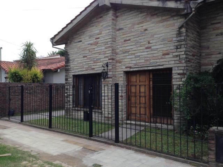 Casa en Venta en Villa Adelina - 6 ambientes