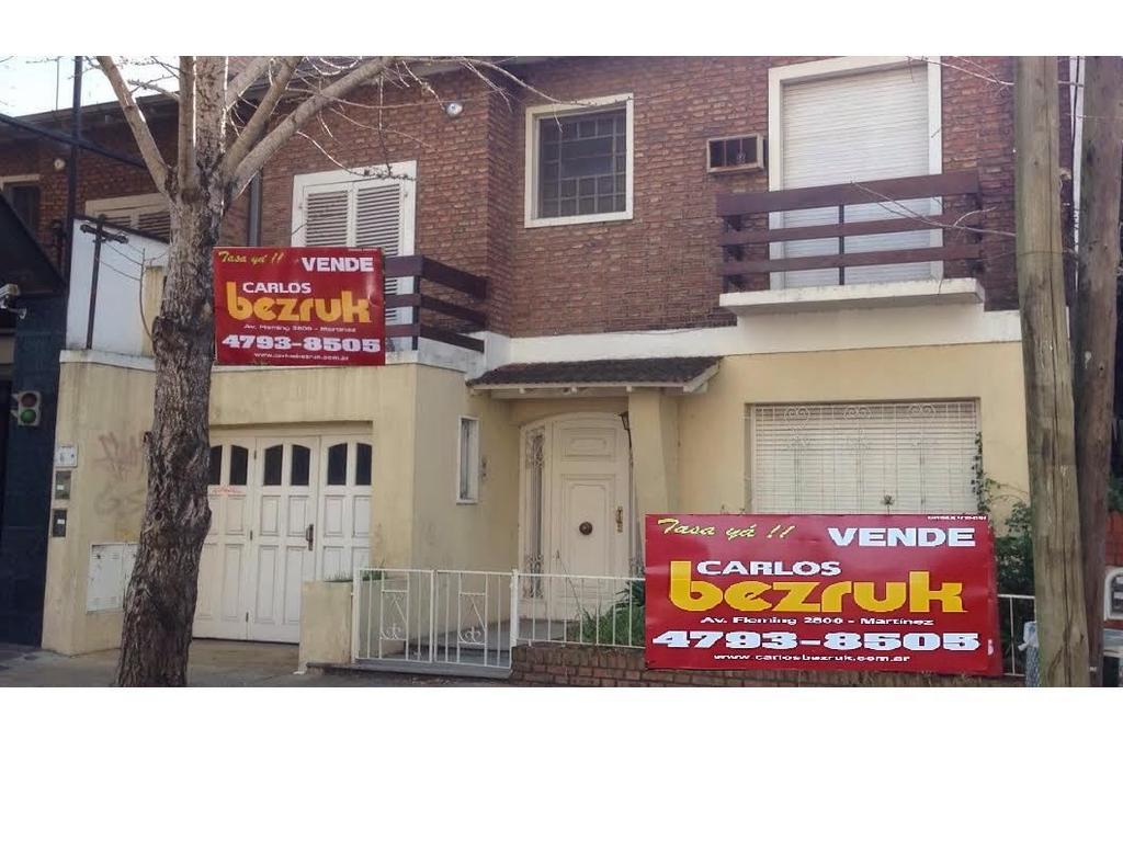 casa venta Acassuso 5 dormitorios 2 baños jardin garaje