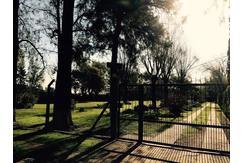 Hermosa Casaquinta con pileta y 5000m2 de parque / Virrey de Pino