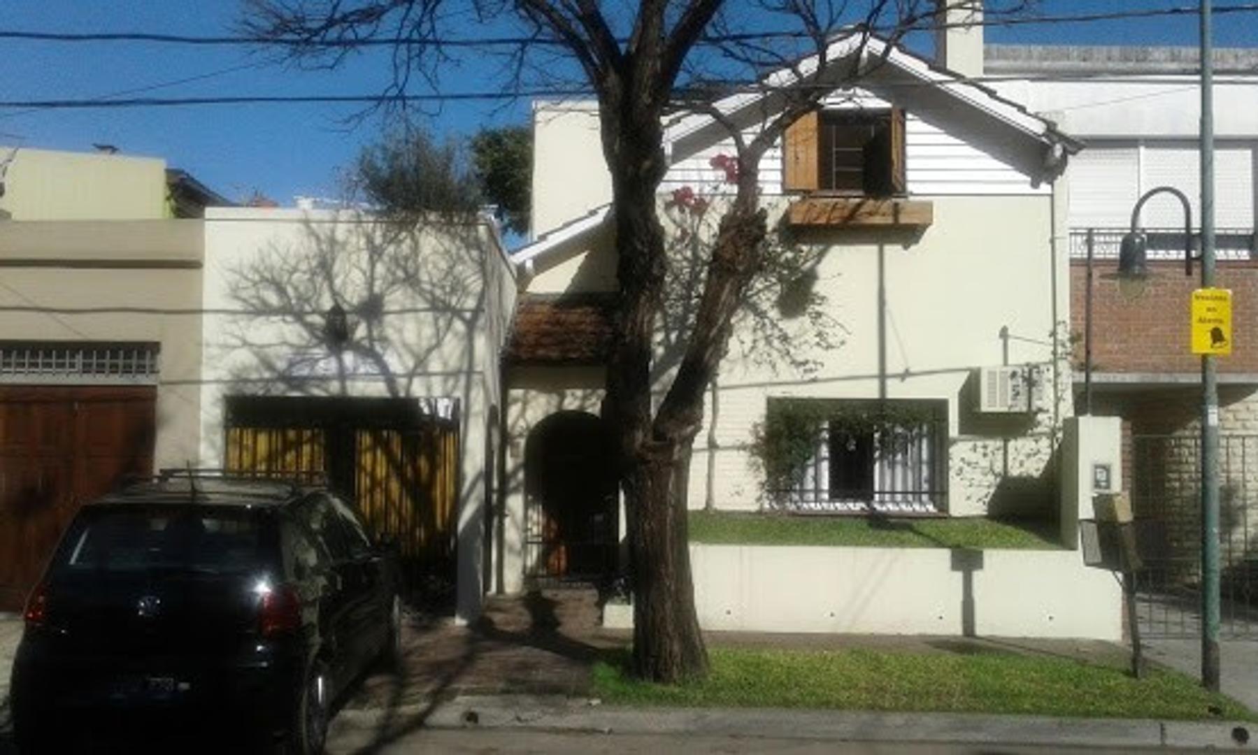 Casa en Venta en Florida Mitre/Este - 4 ambientes