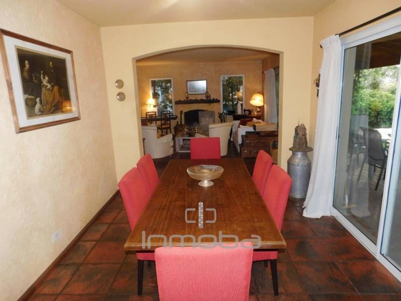 Casa - 250 m² | 4 dormitorios | 19 años