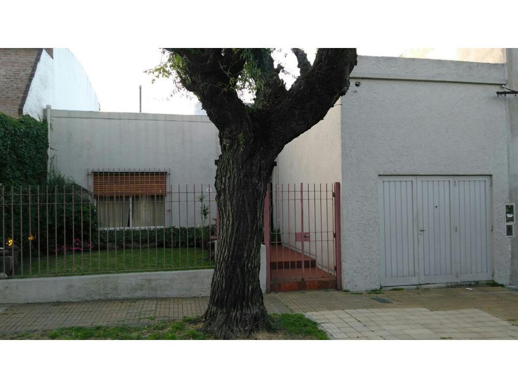 Departamento tipo casa en venta en lafayatte 3441 villa for Jardin belen villa ballester