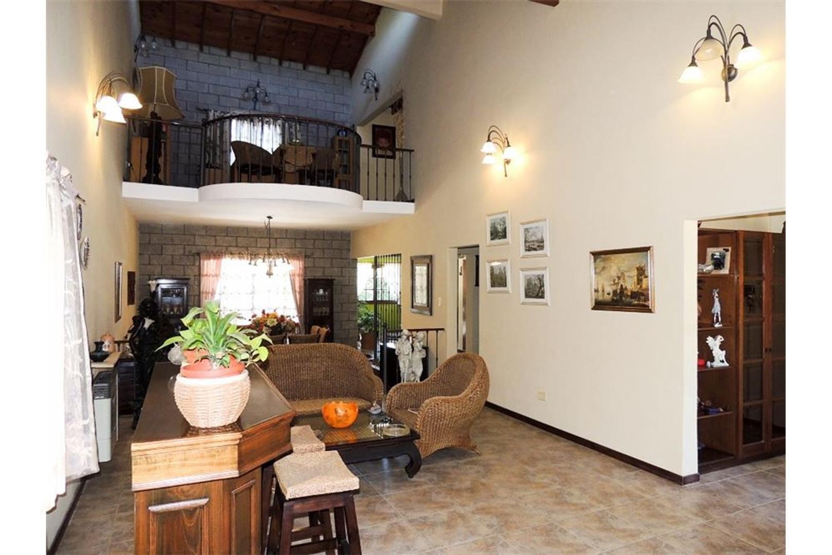 Casa en Venta en Ingeniero Maschwitz - 8 ambientes