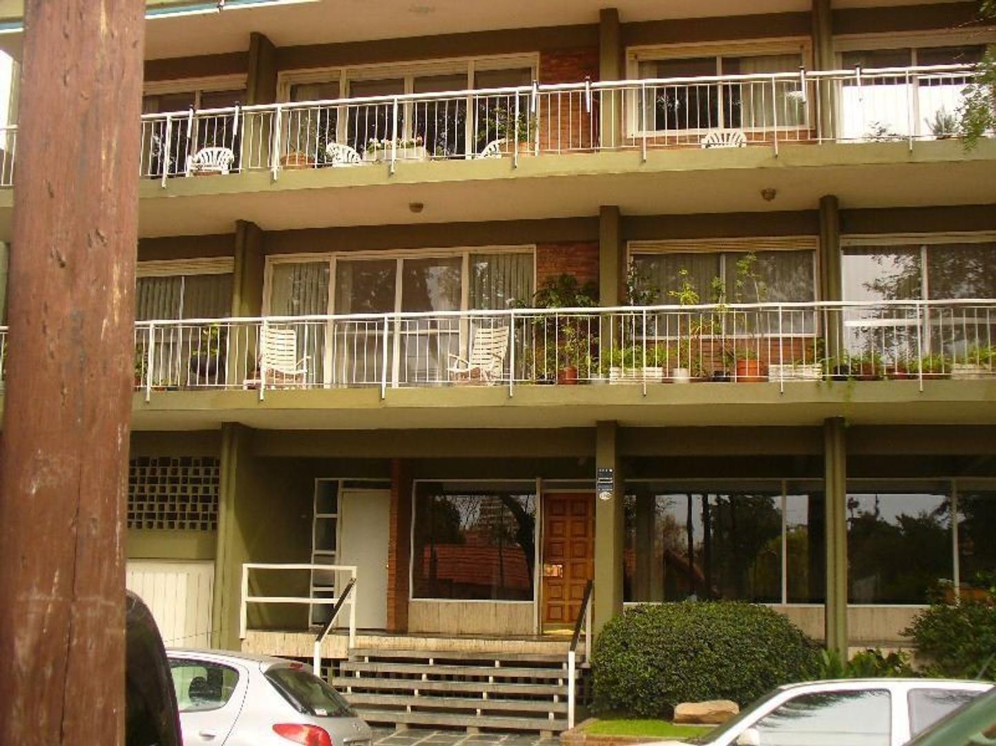 Departamento en Alquiler en Olivos Vias/Maipu - 4 ambientes