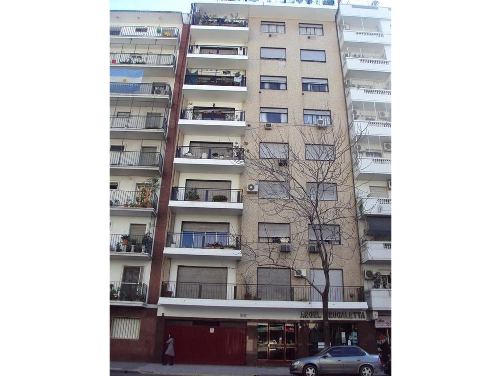 Av.Martin Garcia 545 con balcon